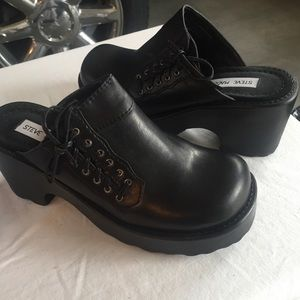 Steve Madden Leather Clog